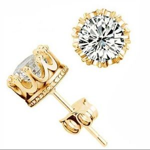 Gold Solitaire Round Diamond Crown Stud Earrings